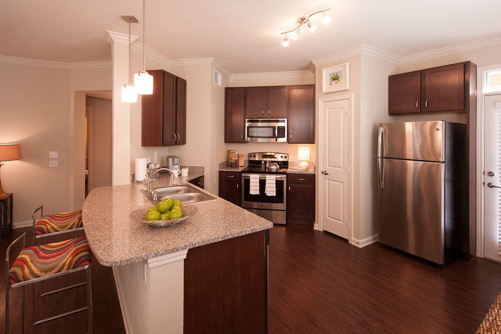 Fully Equipped Kitchen at The Boulders on Fern Apartments in Shreveport, LA