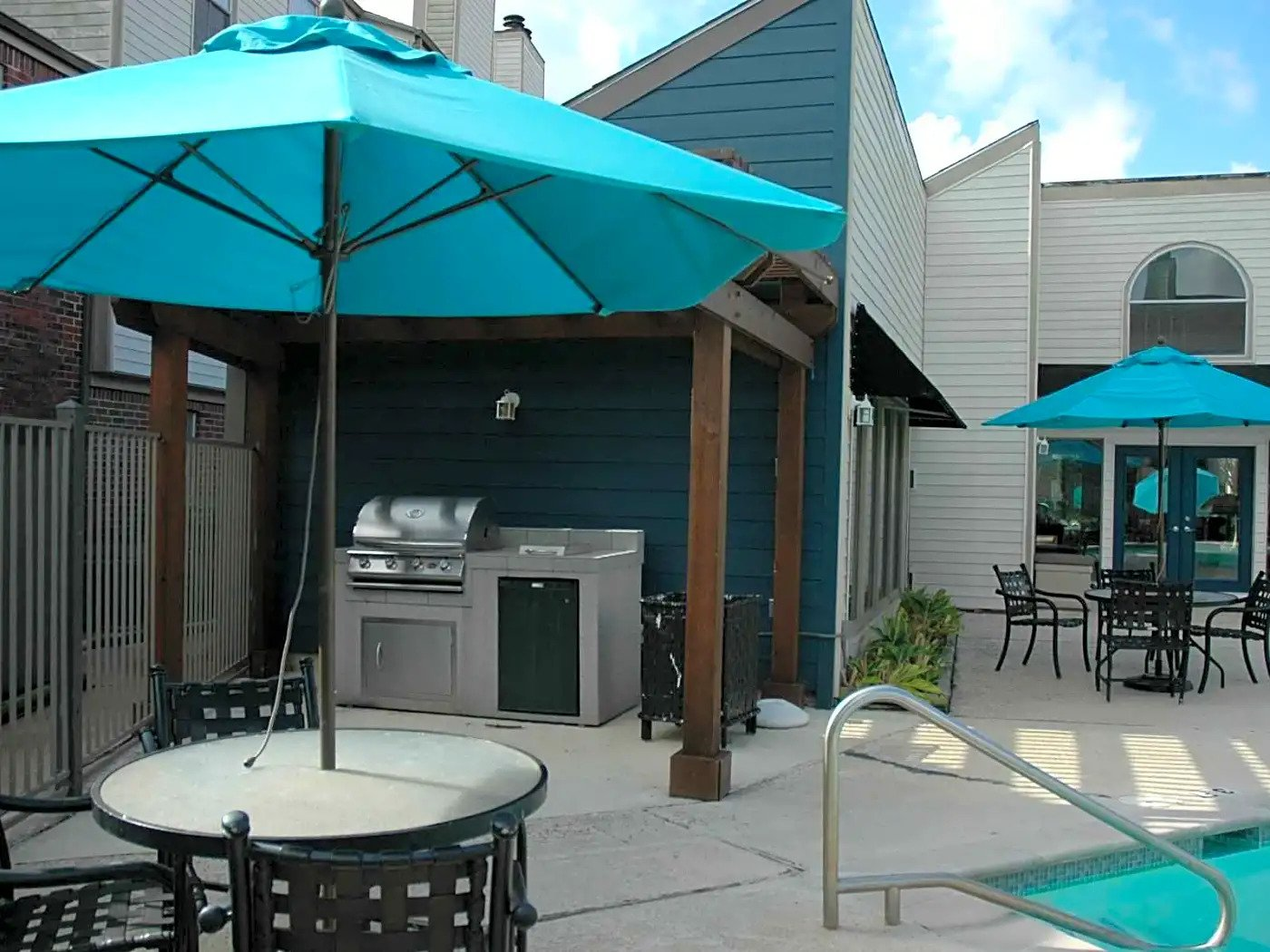 Outdoor Grill at Briar Park Apartments in Houston, Texas