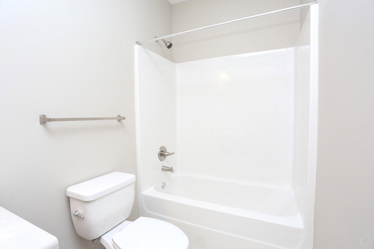Sophisticated Bathrooms at Bristol Bluffs Apartments in Louisville, Kentucky