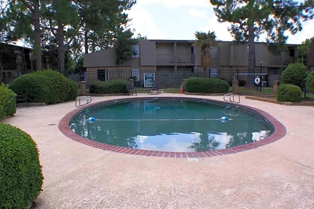 All-New Swimming Pool at Broadmoor Plantation Apartments in Baton Rouge, Louisiana
