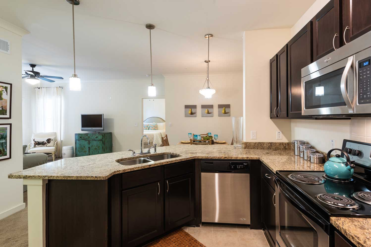 Fully Equipped Kitchen at Brookstone Park Apartments in Covington, LA