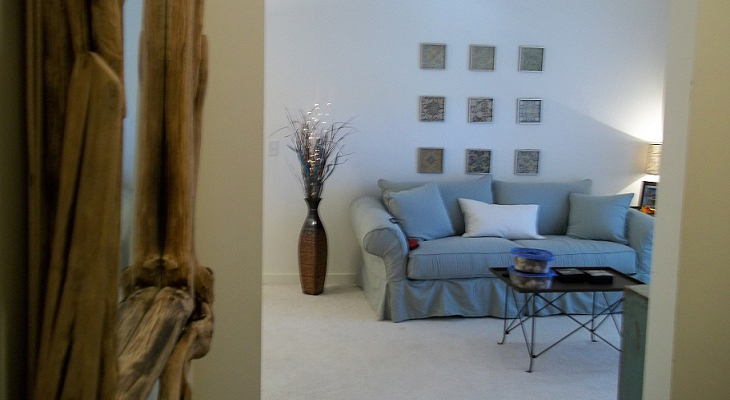 Living Room at Brookstone Park Apartments in Covington, LA