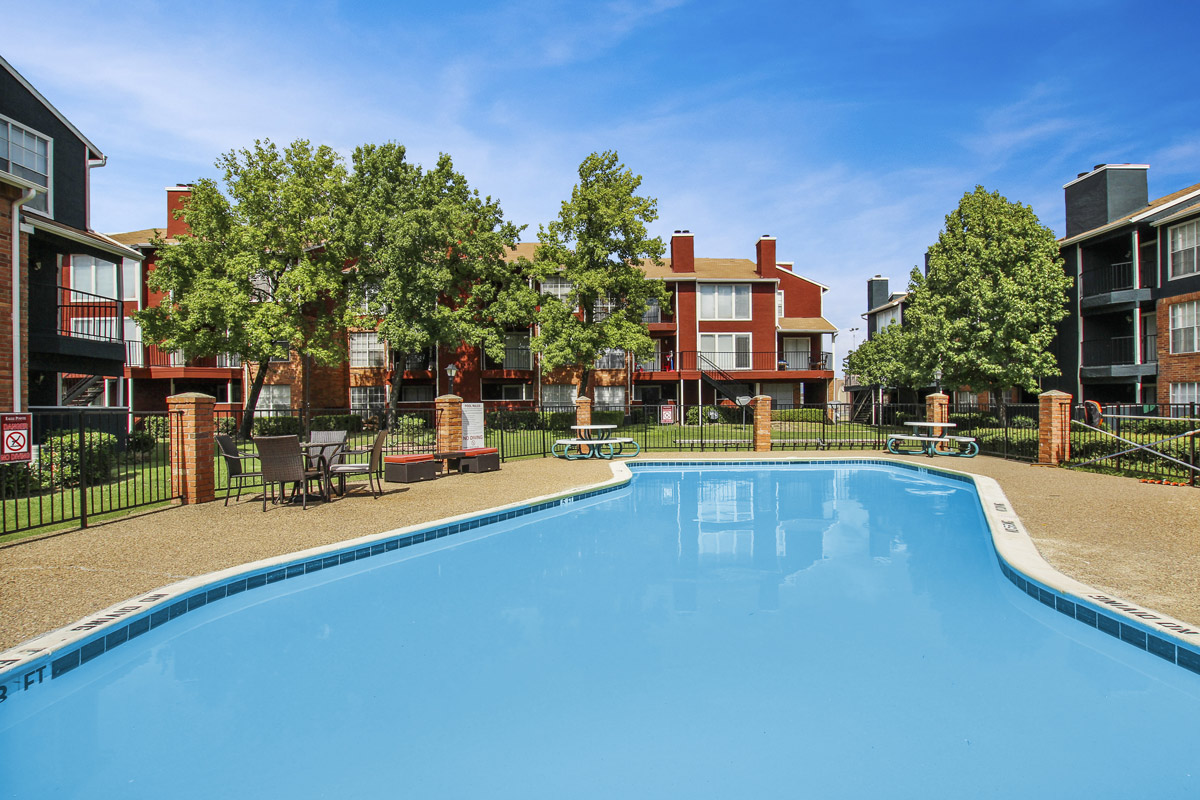Sparkling Pool at Cadence Apartments in Dallas, Texas