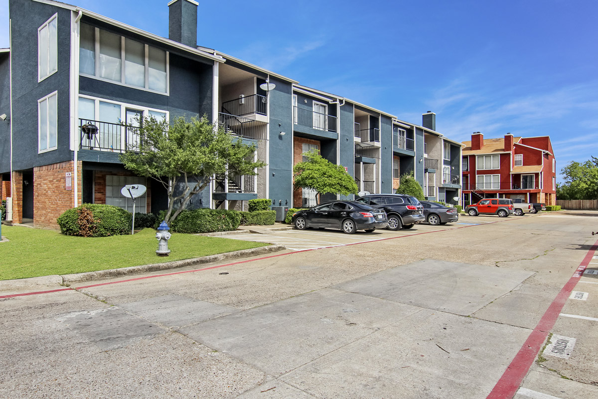 Resident Parking at Cadence Apartments in Dallas, Texas