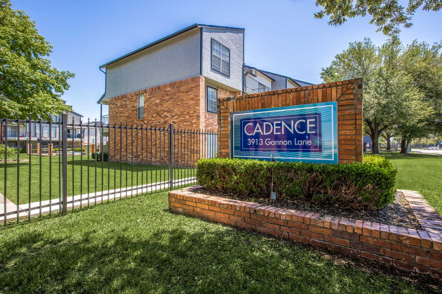 Signage at Cadence Apartments in Dallas, Texas