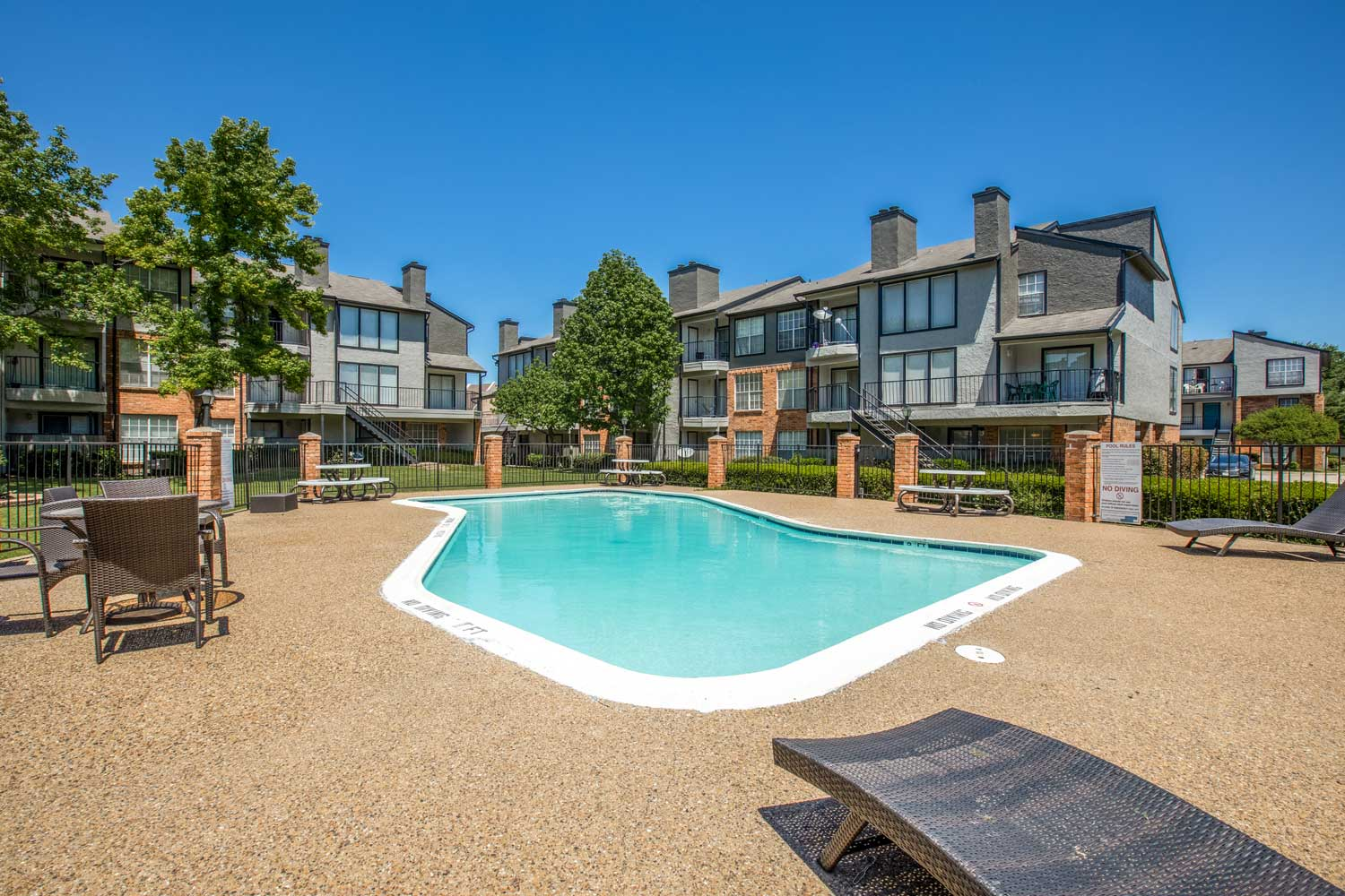 Resort Style Pool at Cadence Apartments in Dallas, Texas