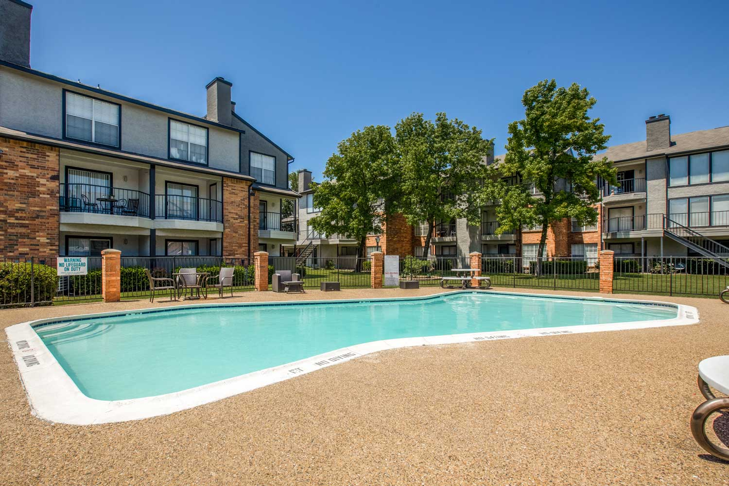 Large Pool at Cadence Apartments in Dallas, Texas