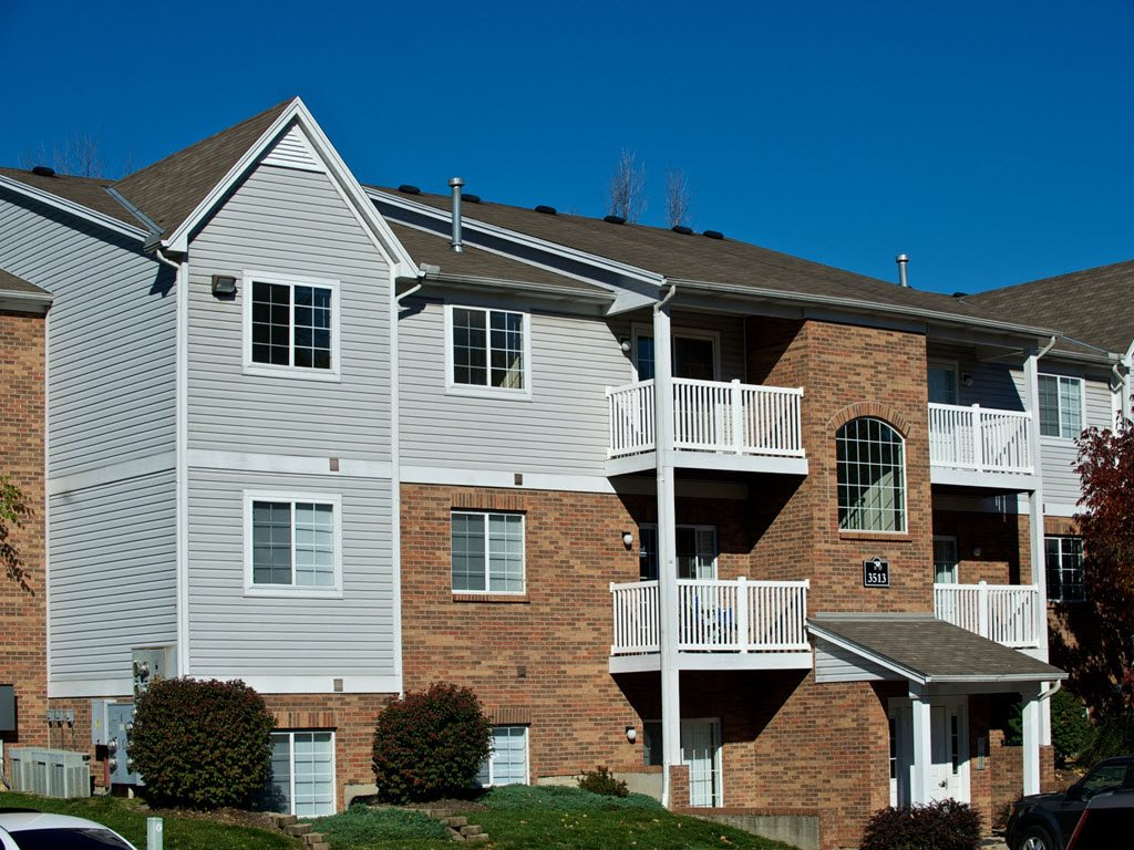 Pet-Friendly Apartments at Carriage Square Apartments in Loveland, Ohio