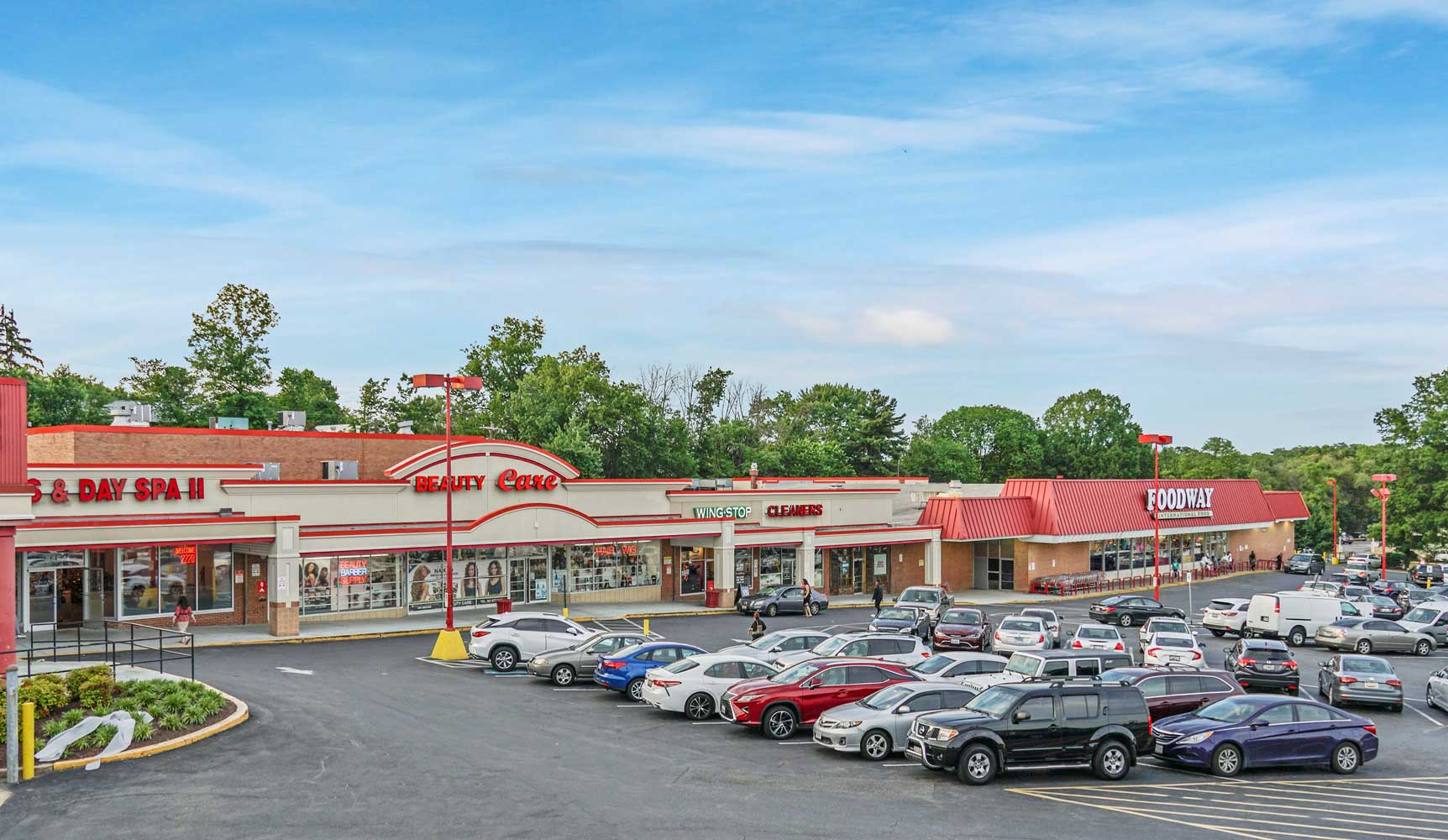 Carrollton Shopping Center is walking distance from Carrollon Manor Apartments