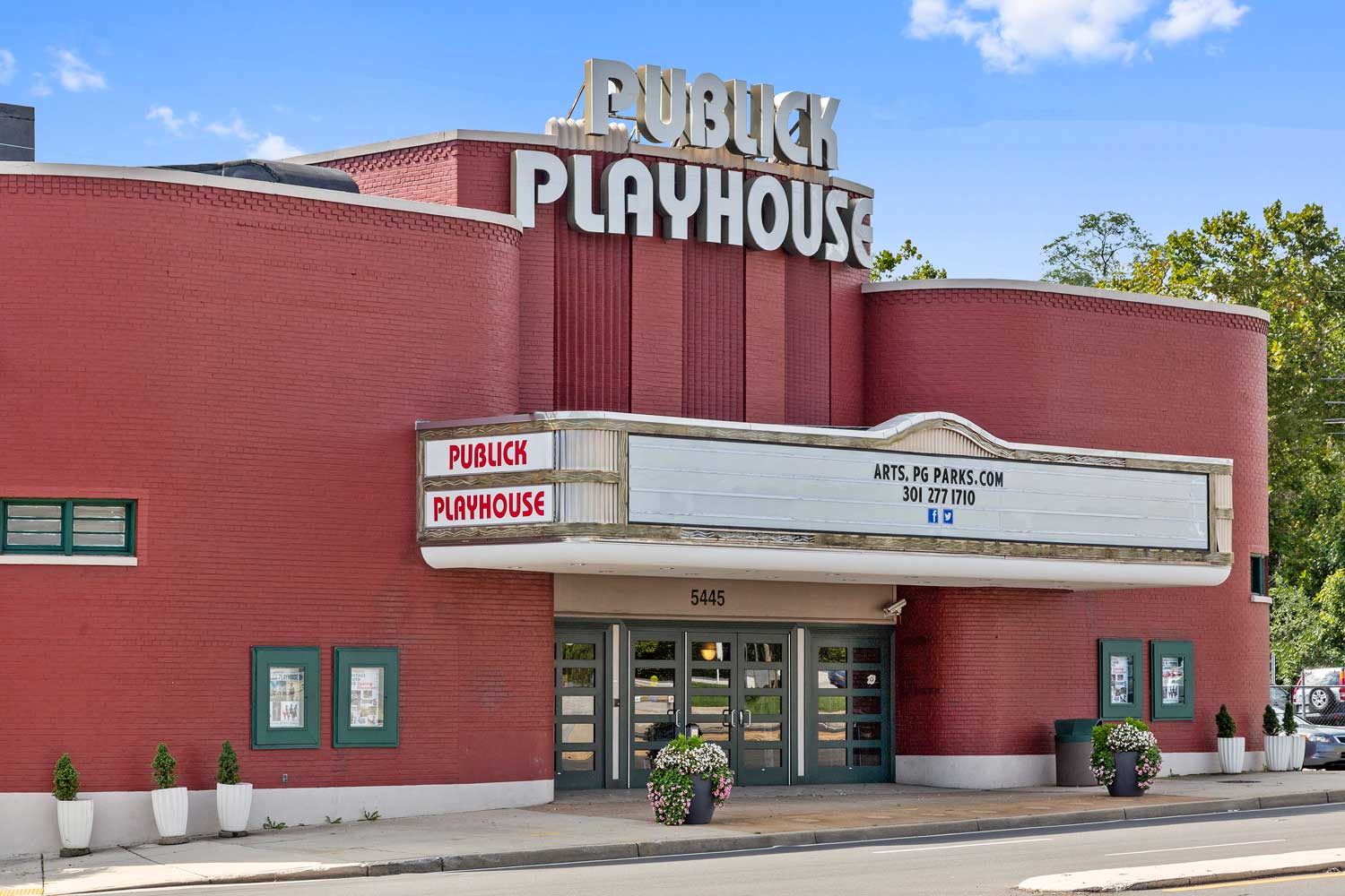 Prince George's Publick Playhouse  is 10 minutes from Carrollon Manor Apartments