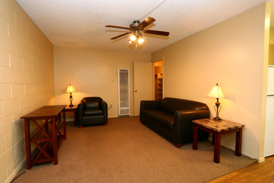 Ceiling Fan in Living Area at Casa del Sol Apartments in Amarillo, TX