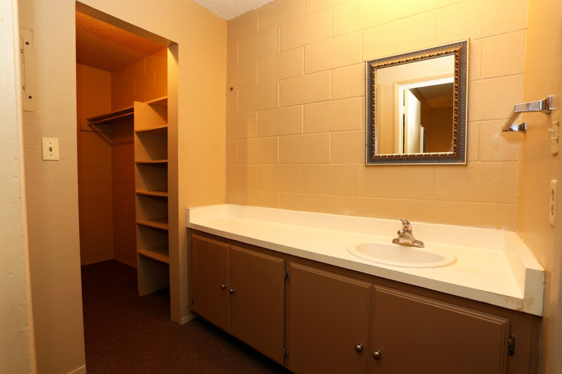 Single Vanity at Casa del Sol Apartments in Amarillo, TX