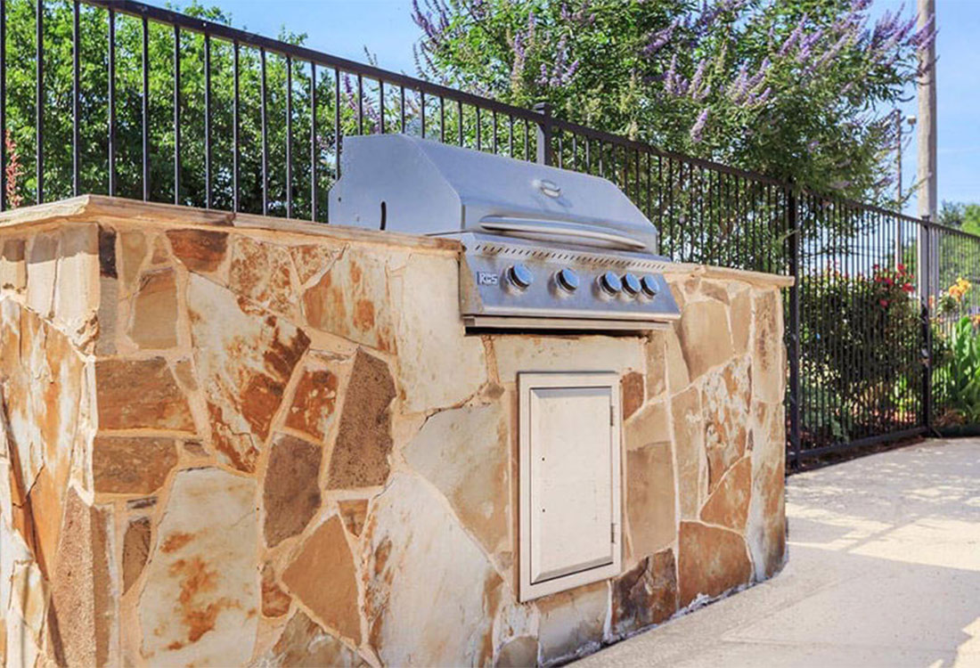 Outdoor Grilling Station at Cedar Creek Apartments in Abilene, Texas