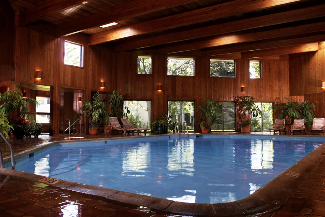 Indoor Swimming Pool at Cedars of Edina Apartments in Edina, MN