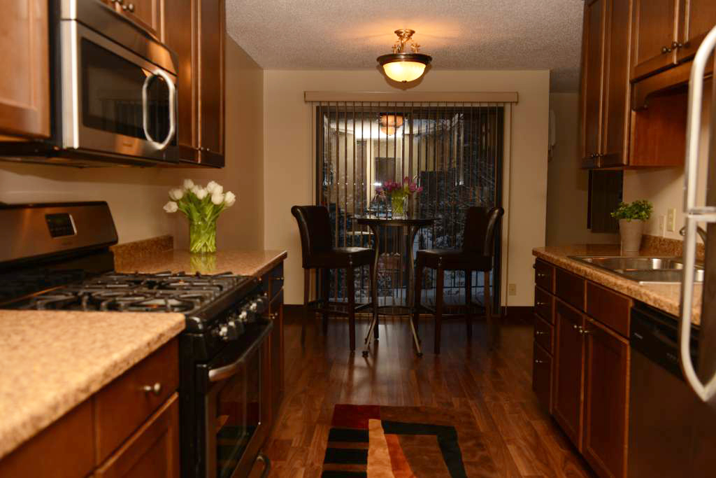 Dining Area at Cedars of Edina Apartments in Edina, MN