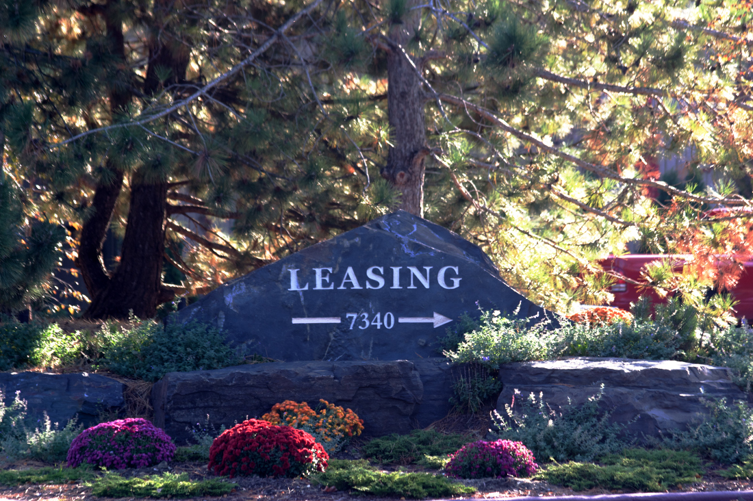 Sign to Leasing Office at Cedars of Edina Apartments in Edina, MN
