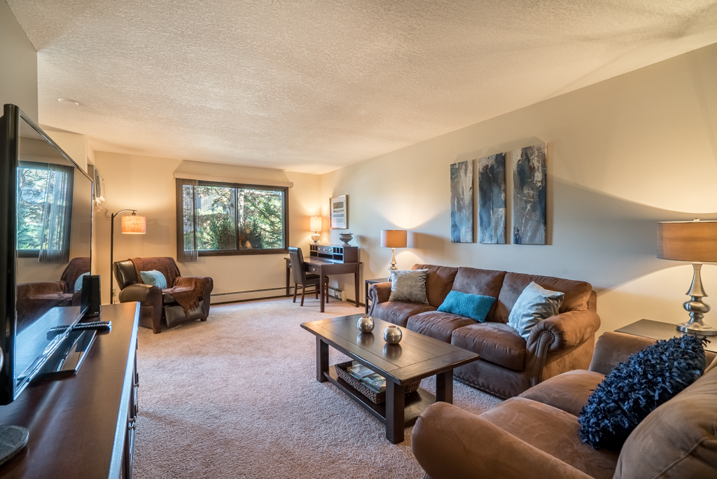 Cove Molding and Other Designer Features at Cedars of Edina Apartments in Edina, MN