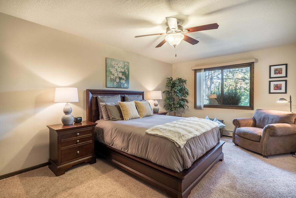 2-Bedroom Apartments for Rent at Cedars of Edina Apartments in Edina, MN