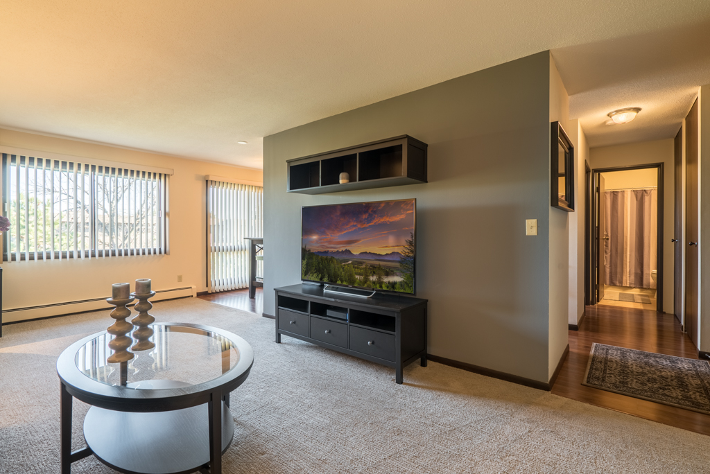 Open Floor Plans at Cedars of Edina Apartments in Edina, MN