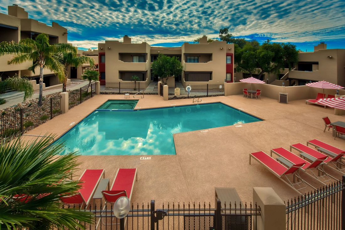 Resort Style Pool at Centerra Apartments in Scottsdale, AZ