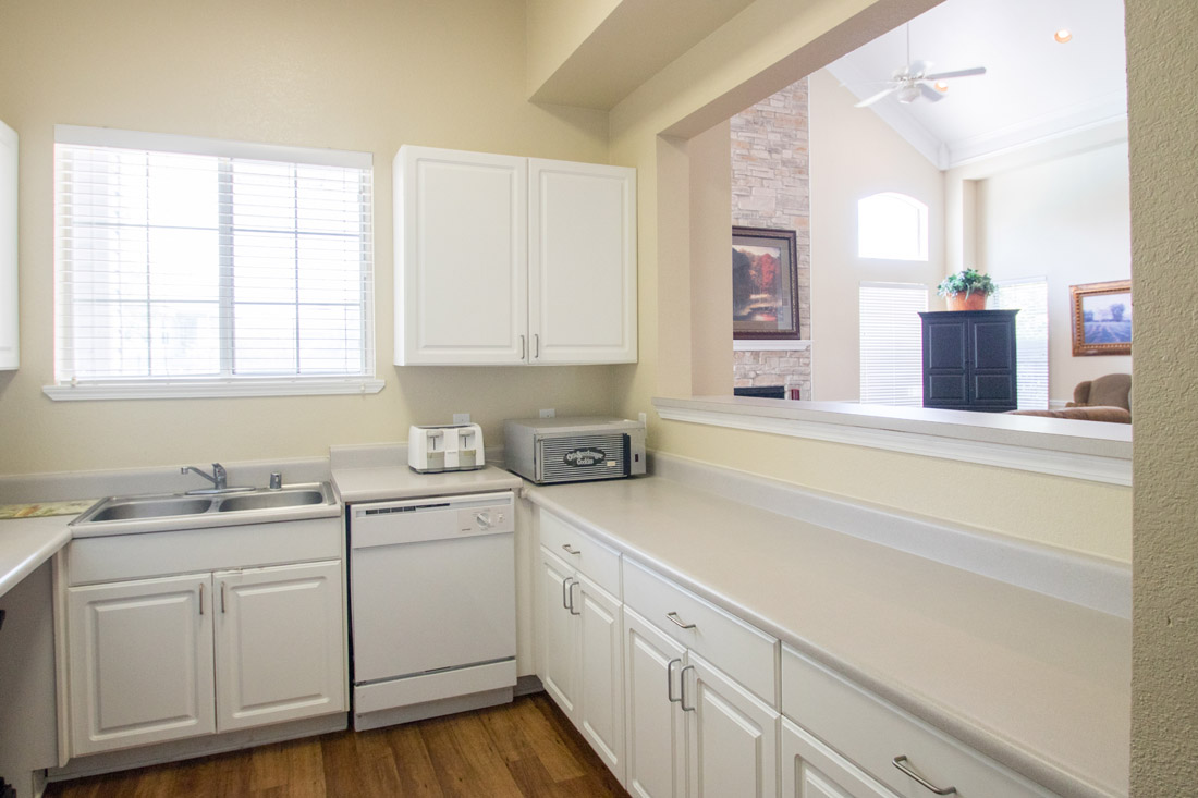 Ample Kitchen Counterspace at Chapel Ridge of Johnston Apartments in Johnston, IA