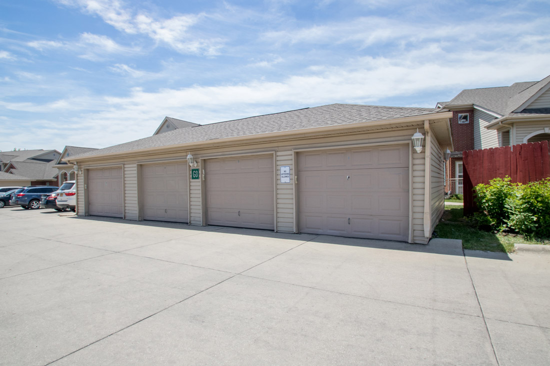 Detached Garages at Chapel Ridge of Johnston Apartments in Johnston, IA