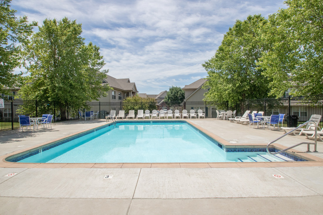 Outdoor Swimming Pool at Chapel Ridge of Johnston Apartments in Johnston, IA