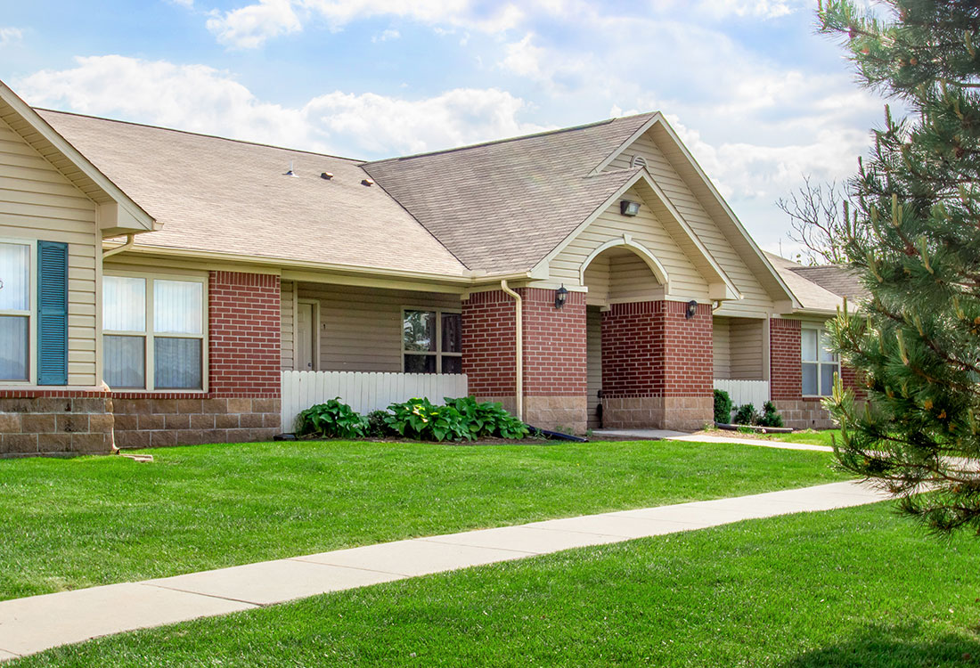 Council Bluff Apartment Rentals at Chapel Ridge of Council Bluffs Apartments in Council Bluffs, IA