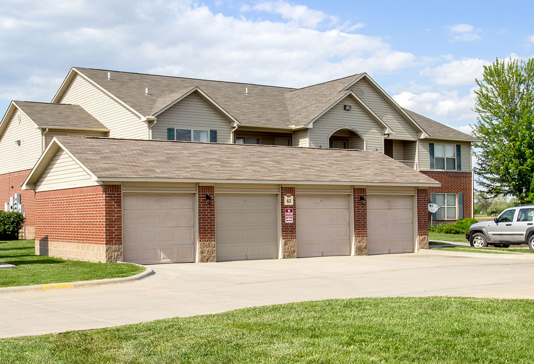 Detached Garages at Chapel Ridge of Council Bluffs Apartments in Council Bluffs, IA