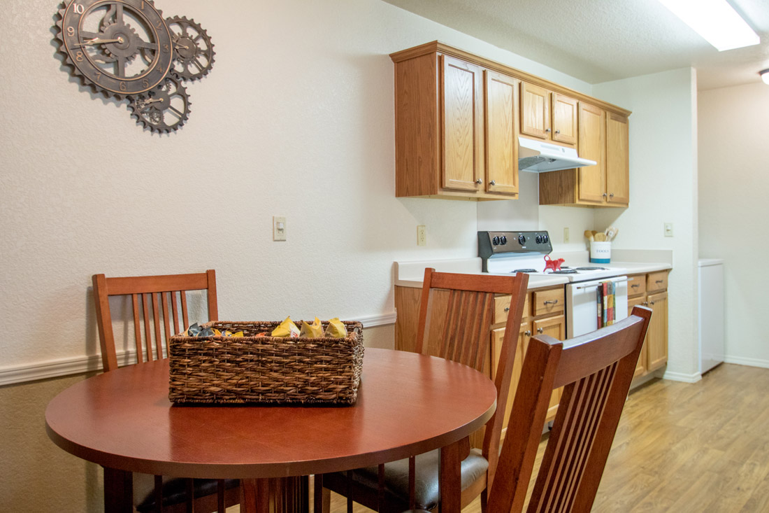 Dining Area at Chapel Ridge of Marion Apartments in Marion, IA
