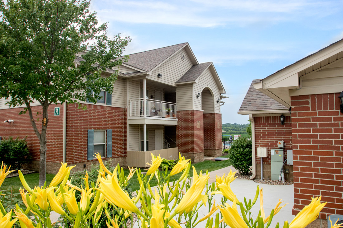 Pet-Friendly Apartments at Chapel Ridge of Marion Apartments in Marion, IA