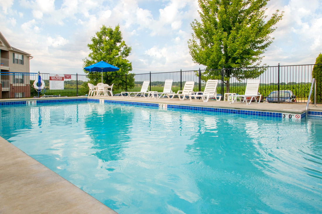 Outdoor Swimming Pool at Chapel Ridge of Marion Apartments in Marion, IA