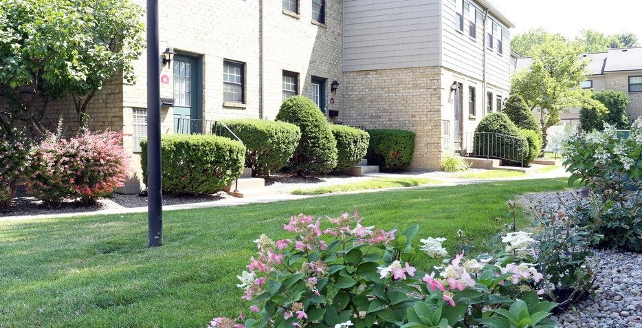 Exterior View at the Chartwell Townhouse Apartments in Rochester, NY