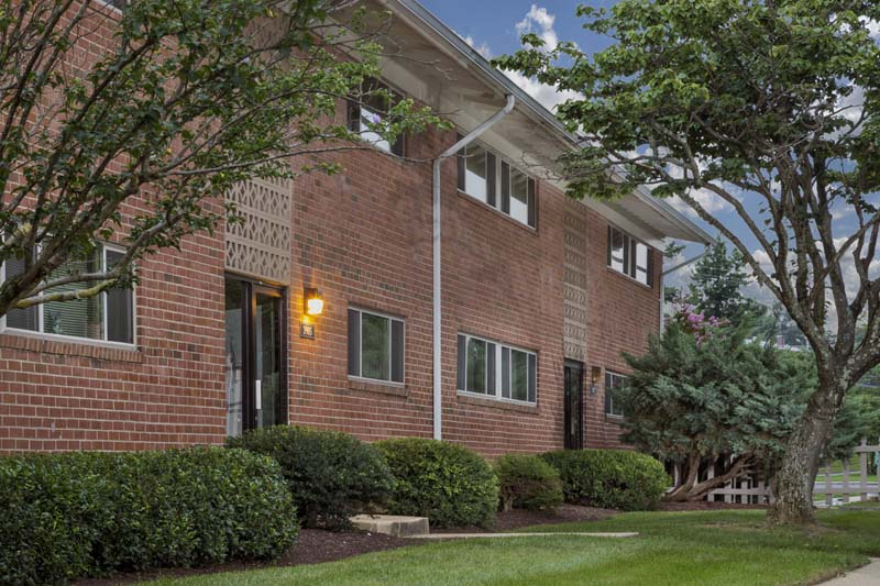 Chestnut Hill Apartments in Temple Hills, MD