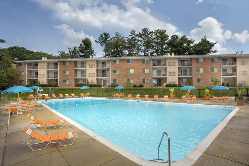 Relaxing swimming pool at Chestnut Hill Apartments in Temple Hills, MD