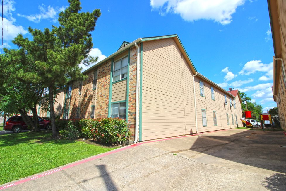 Dallas Apartments for Rent at Columbia Villas Apartments in Dallas, Texas