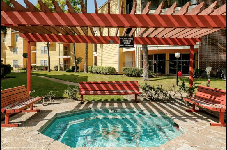 Outdoor Recreation Amenities at Copper Cove Apartments in Houston, Texas