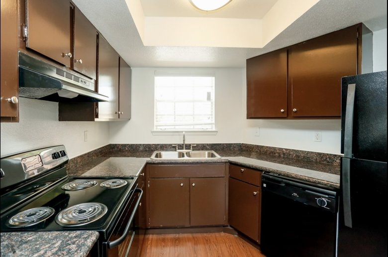 Black Appliances at Copper Cove Apartments in Houston, Texas