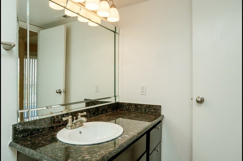 Modern Bathrooms at Copper Cove Apartments in Houston, Texas