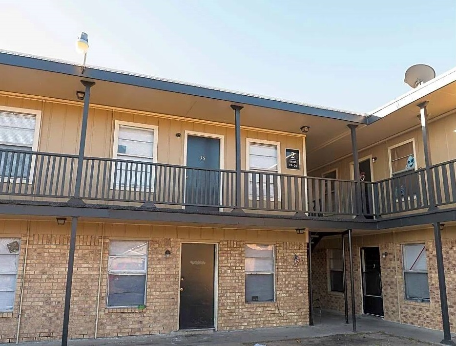 Affordable Apartments at Coral Manor Apartments in Texas City, TX