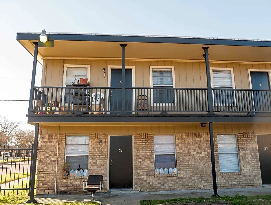 Apartments for Lease at Coral Manor Apartments in Texas City, TX