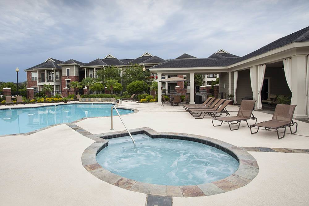 Hot Tub at Country Club Pointe Apartments Homes in Lake Charles, LA