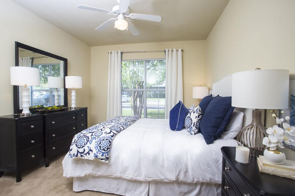 One Bedroom Apartments at Country Club Pointe Apartments Homes in Lake Charles, LA