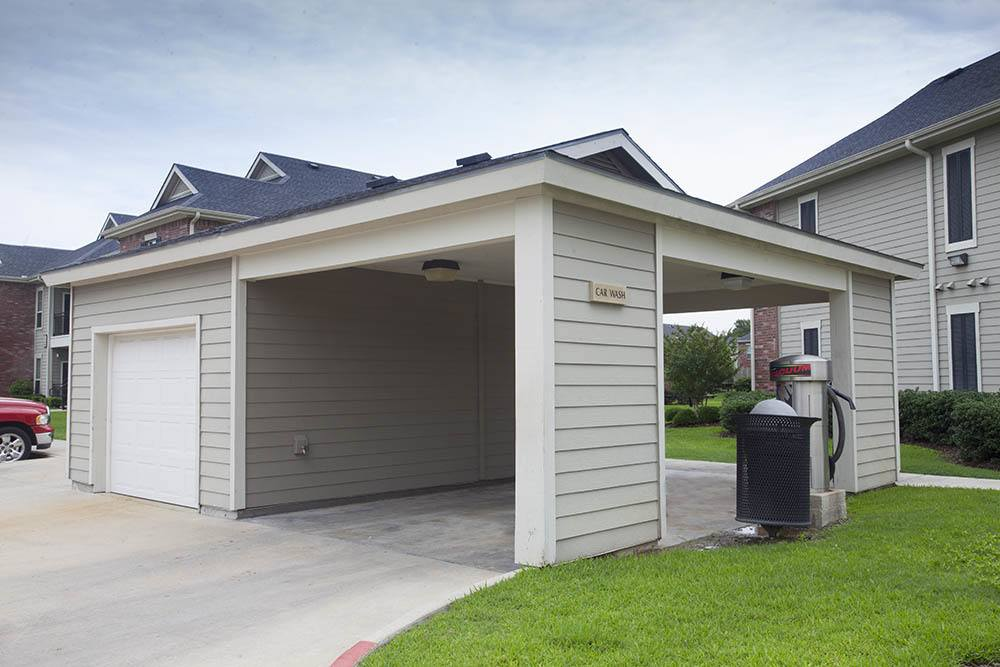 Car Care Center at Country Club Pointe Apartments Homes in Lake Charles, LA