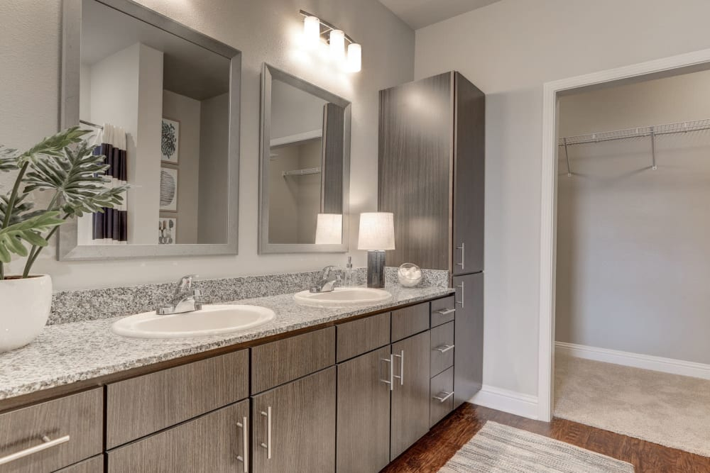 Modern Bathroom at The Reserve at Couret Farms Apartments in Lafayette, LA