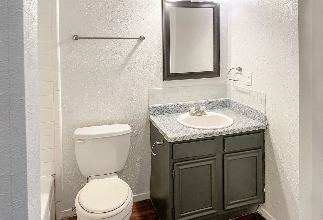 Upgraded Bathrooms at Courtyard Park Apartments in Abilene, TX