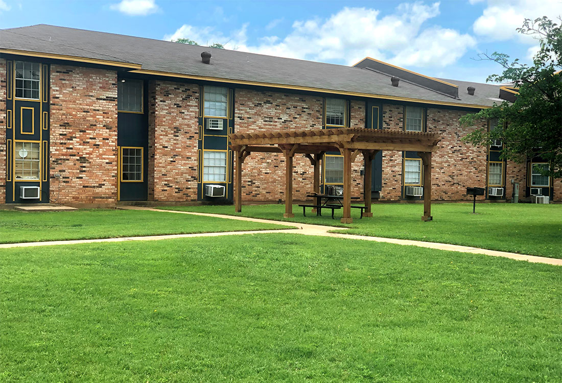 Studio & One Bedroom Homes at Courtyard Park Apartments in Abilene, TX