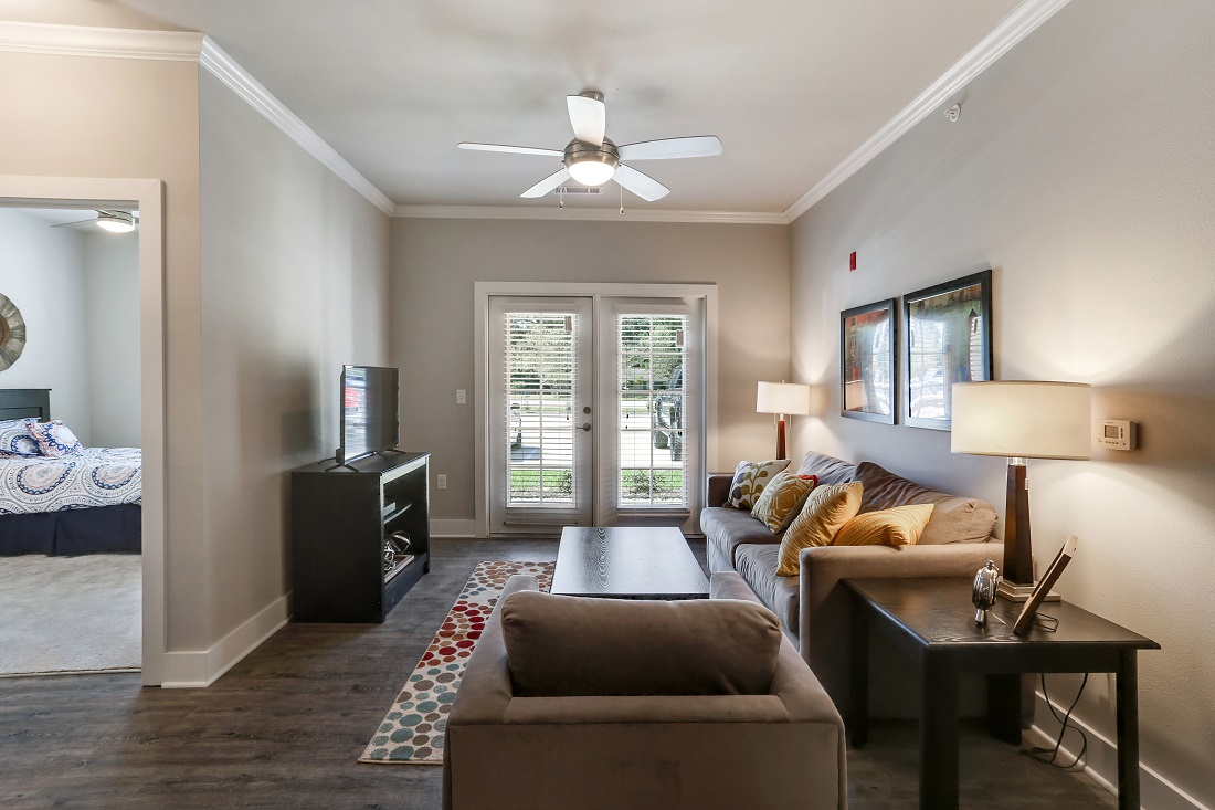 Wood Flooring and Ceiling Fans at Creekside Crossing in Walker, Louisiana