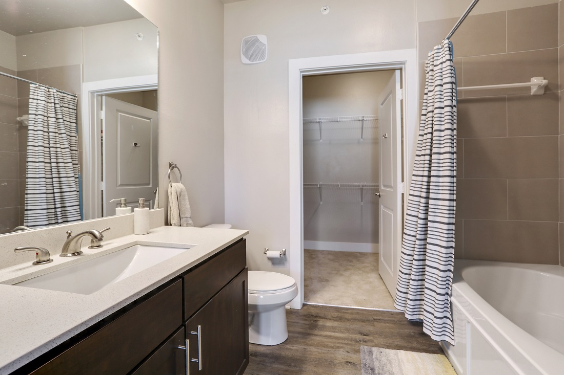 Expansive Bathrooms at Creekside Crossing in Walker, Louisiana