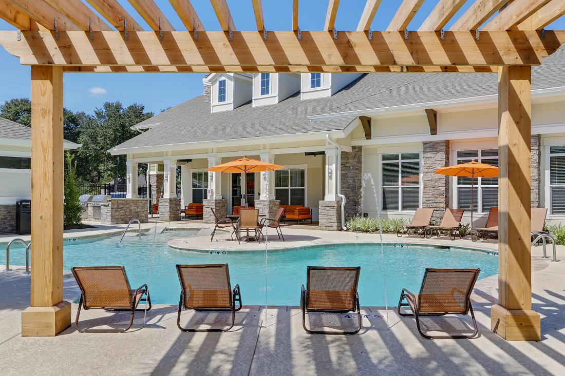 Resort-Style Swimming Pool at Creekside Crossing in Walker, Louisiana